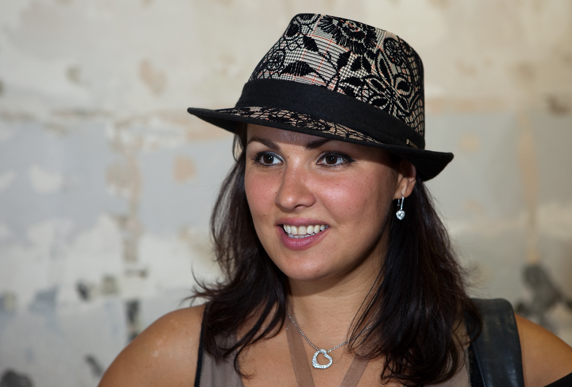 Russian opera diva anna netrebko speaks candidly about son s autism autism daily newscast - Anna netrebko casta diva ...